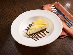 tgif 3-cheese cake-057