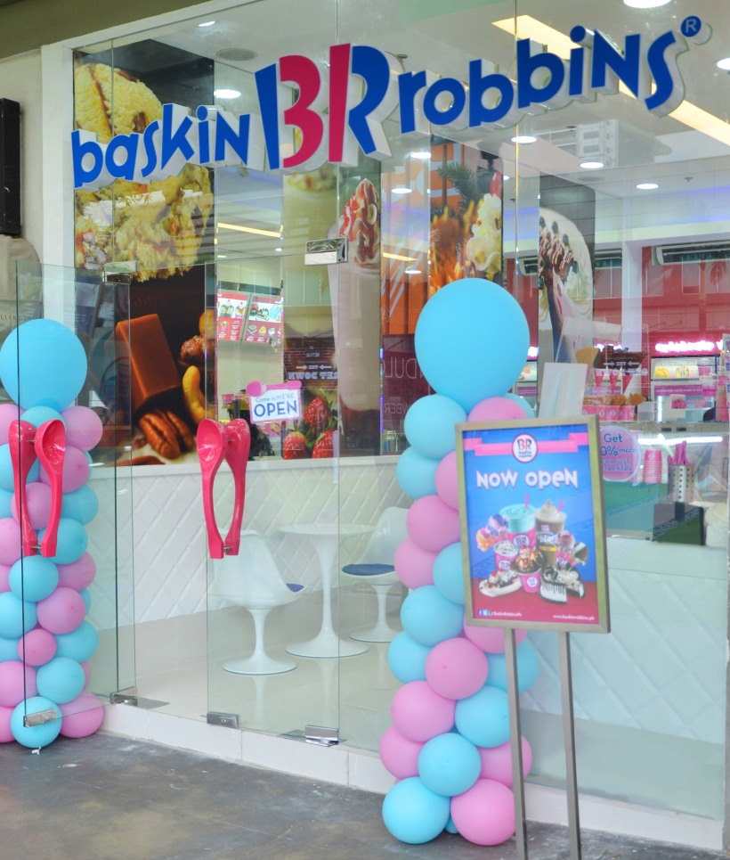 Baskin-Robbins_Scooping happiness at_photo 1.jpg