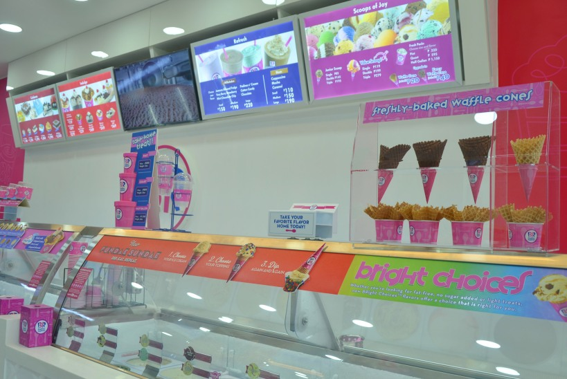 Baskin-Robbins_Scooping happiness at_photo 2.jpg
